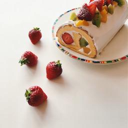 strawberries kiwi peach whipping sweet